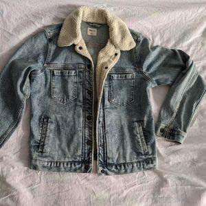 Gap denim jean jacket with fleece trim